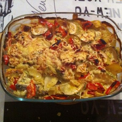 Quand Julie Cuisine... un gratin de courgettes, poivrons et pommes de terre !