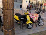 Une moto habillée pour l'hiver, le retour du Flower Power