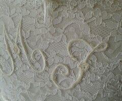 Une simple robe blanche ... transformée une fois en robe de mariée .................... retransformée en ............. sapin de Noel!!
