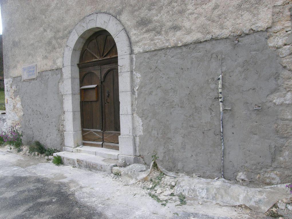 Robion :  Travaux à la façade de l'église