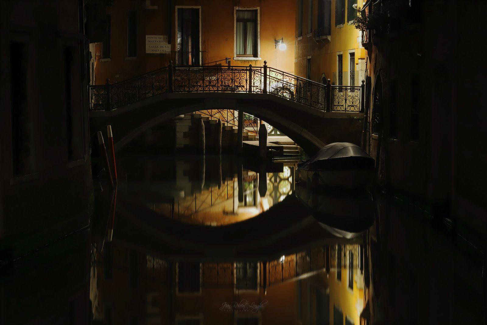 Venezia Serenissima nel Cuore della Notte 4 - tirage 3/30 et 4/30 Hahnemühle baryté 45X30cm - ©2019 Jean-Robert Longhi Photographie non libre de droits.