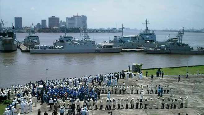 Imágenes de la armada nigeriana lista para desplegarse en Gambia.- El Muni.