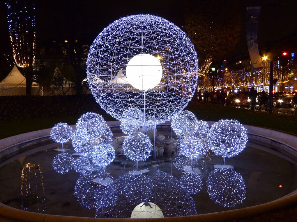 Champs-Elysées en habit de Noël.