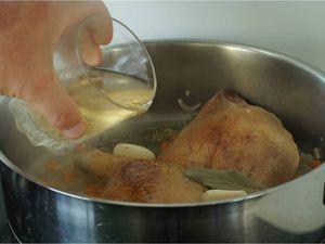 Cuisse de canard jus corsé, pommes de terre à l'ail