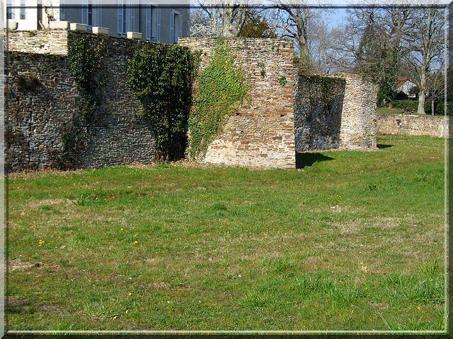Diaporama château d'EGUZON à Éguzon-Chantôme