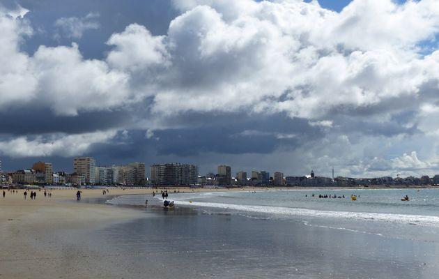 Ciel menaçant sur la grand plage des Sables d'Olonne
