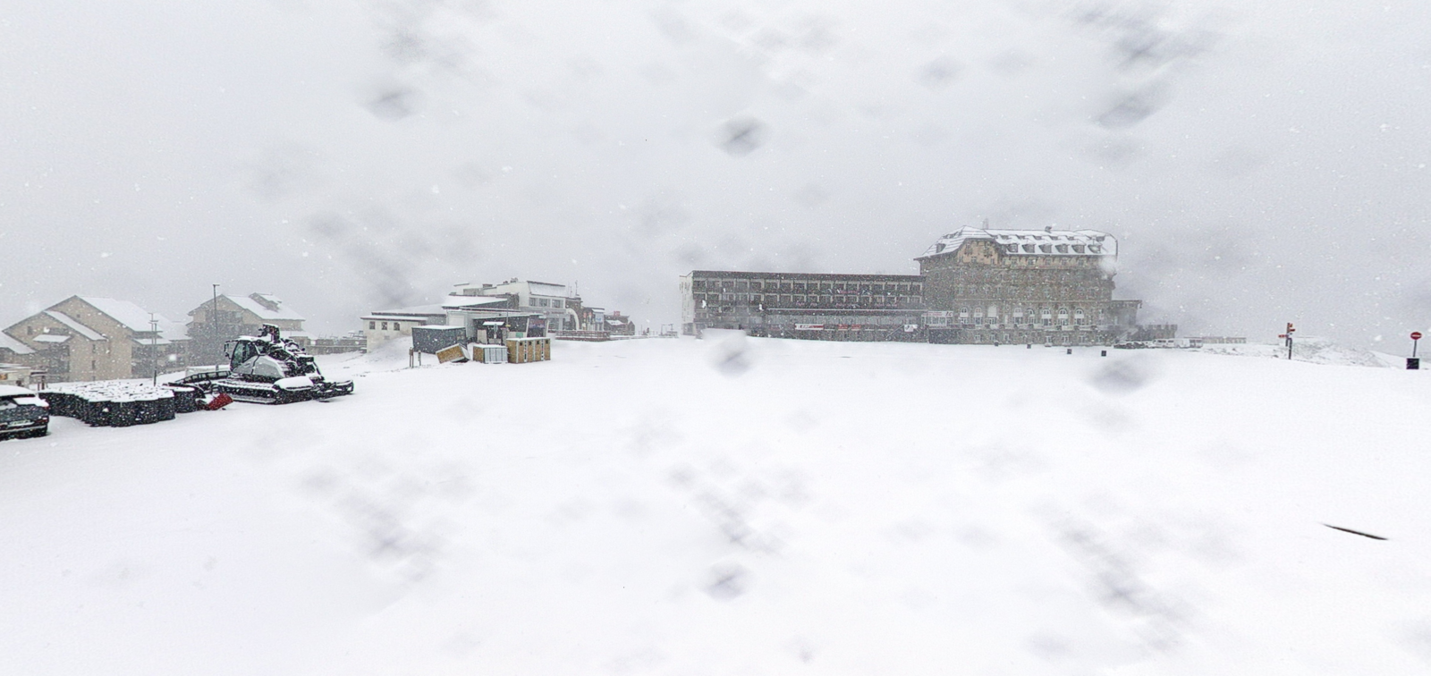 Pyrénées : à Luchon-Superbagnères...  coucou, la neige !