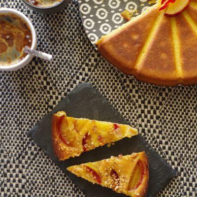 Gâteau prunes et noisettes