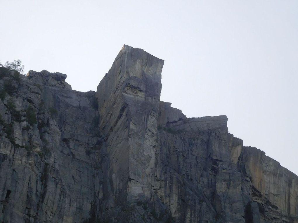 """Stavanger e il """"Pulpit rock"""" Preikestolen"""