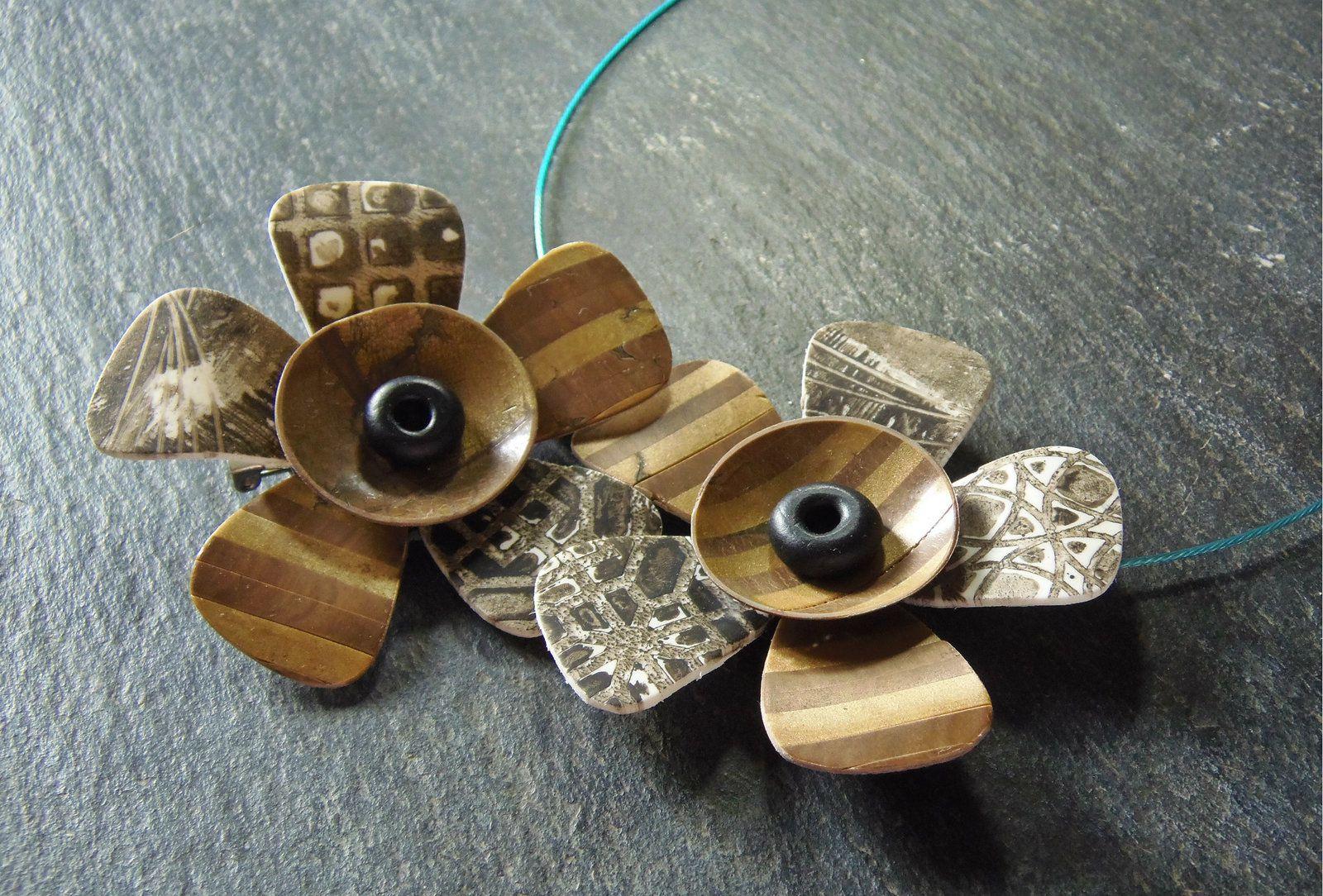 Sinon, effet nouveau bois ou bois doré, comme on voudra et des textures toutes simples.