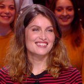 """Invitée : Laetitia Casta devient sirène dans """"Une île"""", la nouvelle série événement d'Arte - Quotidien avec Yann Barthès   TMC"""