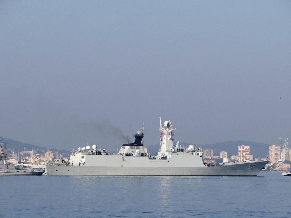 HUANGGANG  577 , frégate de la marine chinoise arrivant à Toulon le 15 octre 2017