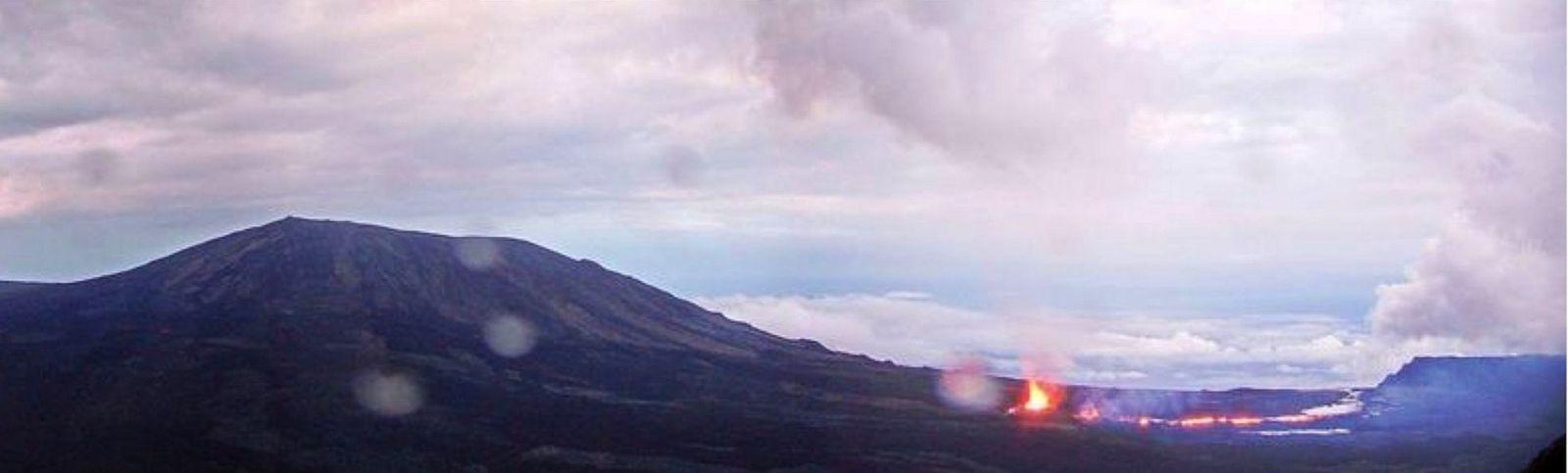 Piton de La Fournaise - localisation des évents actifs dans l'Enclos le 12.04.2021 / 18h16 -  webcam IRT / IPGP-OVPF - un clic pour agrandir