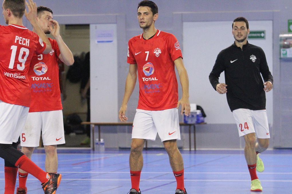 Lors de ce traditionnel derby de Nationale 2, les deux équipe se sont séparées sur un score de parité - Photos : © Sports Vénissians