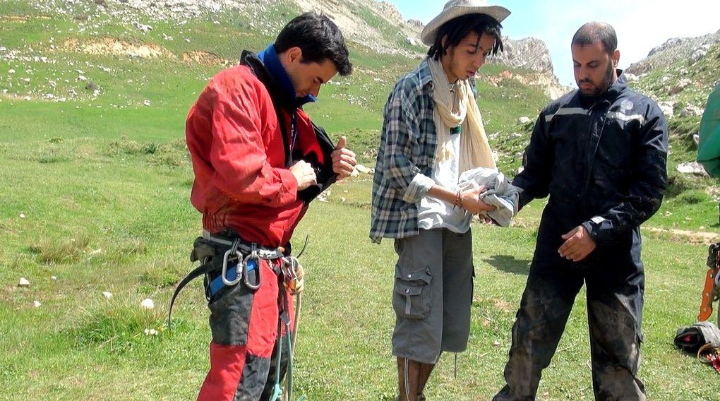 Le spéléologues de Béjaia s'attaquent à l'impressionnant gouffre du Boussouil