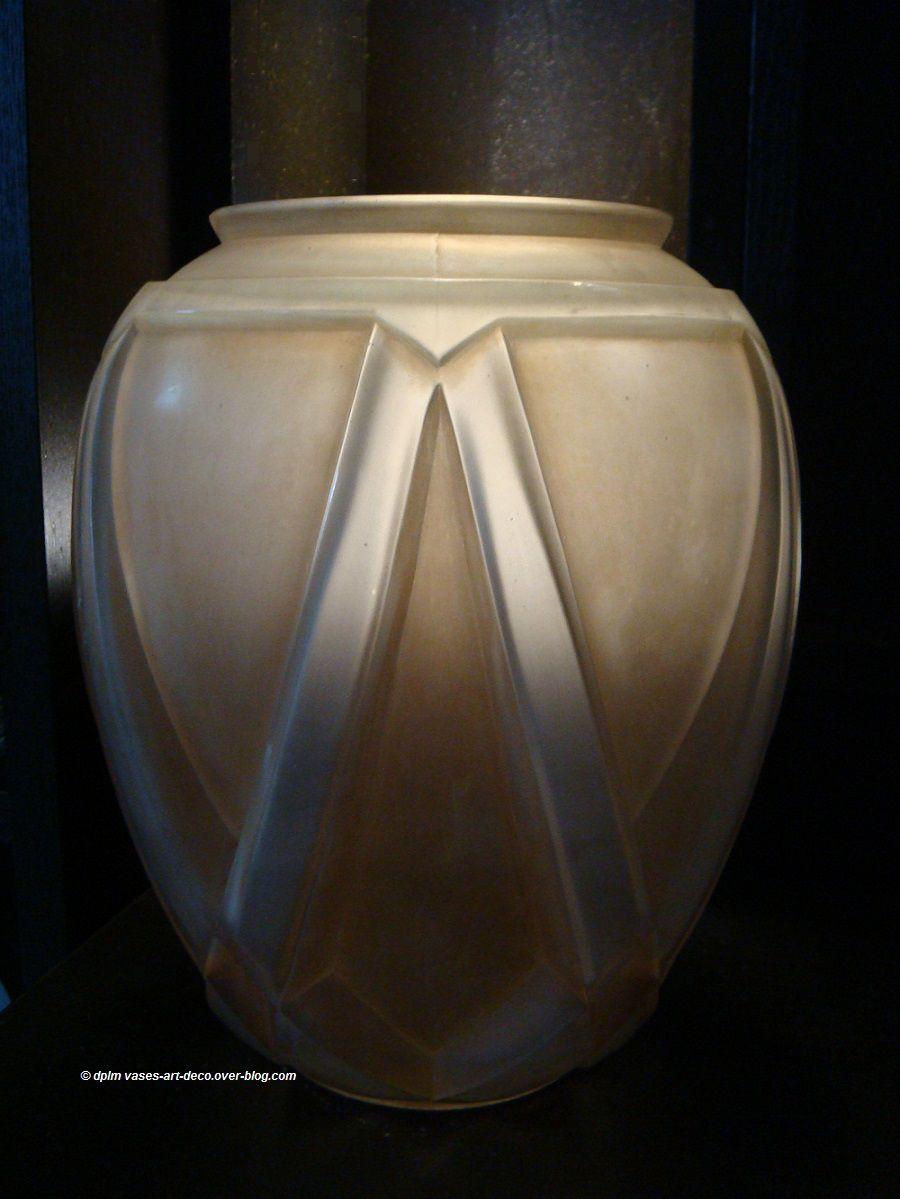Vase Hunebelle Grand Modèle Etrusque Patiné Sépia