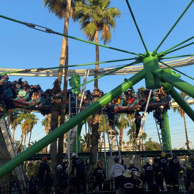 22 personnes secourues d'un grand huit dans un parc d'attractions de l'Arizona
