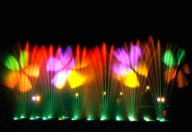 Quelques exemples de la multitude d'effets et de couleurs de nos spectacles