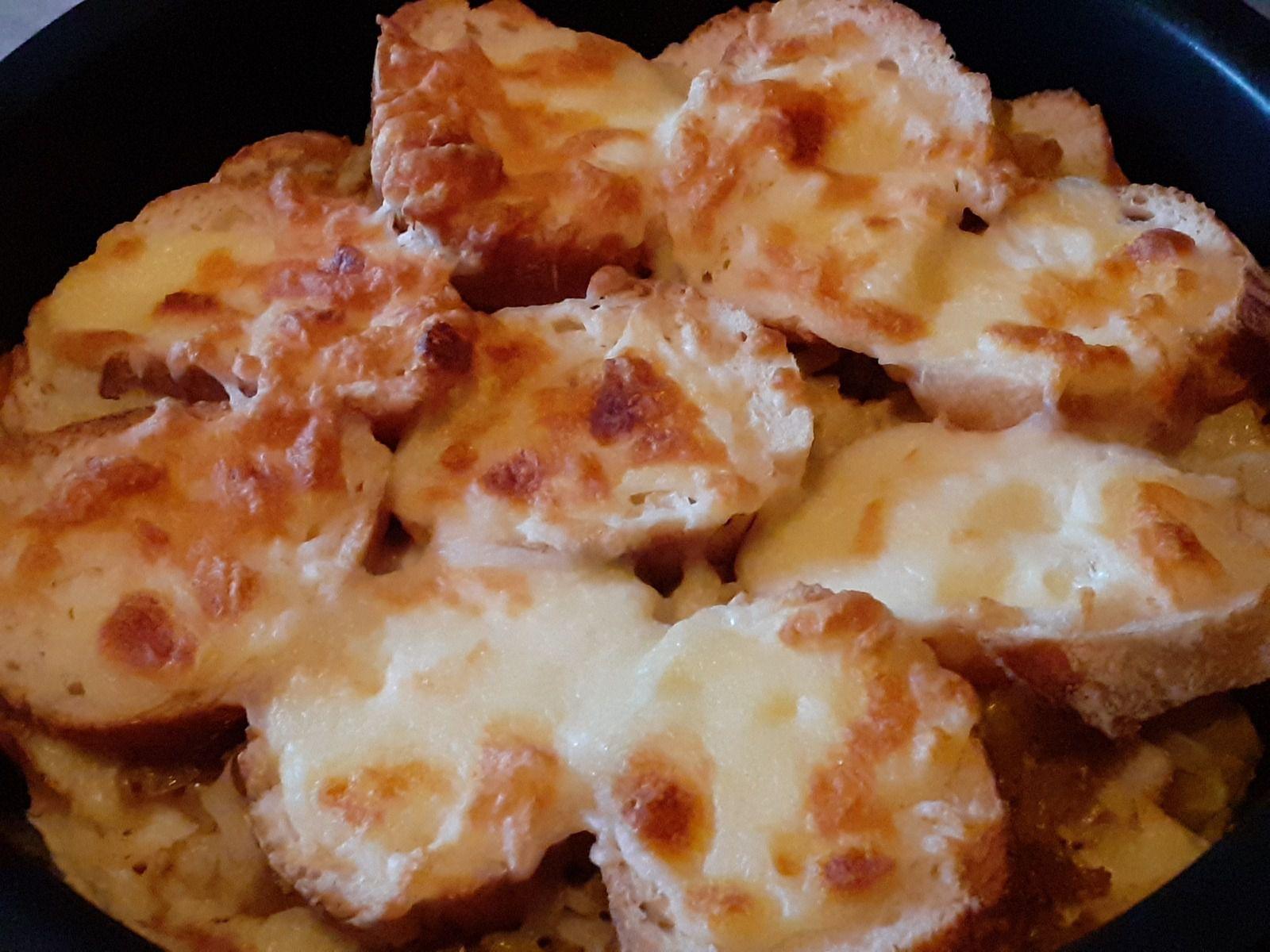 Pain perdu salé aux oignons et fromages ( recette anti gaspillage)
