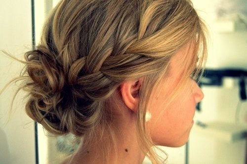 Ich hab mal paar schöne Frisuren rausgesucht. Ich hoffe sie gefallen euch!