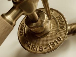 """Nouvelle vanne laiton manette bois de hêtre """"PARIS 1910"""" , kit équerre avec purge + T de réglage 15 x 21 . Tarif 120€"""