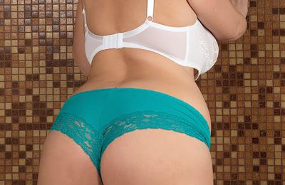 Welcome to Pushkar Call Girl service in low rate