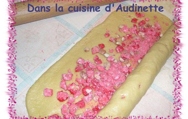 Brioche de Saint Genix (au pralines roses)