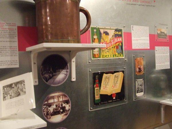 """Exposition """"Chacun sa part"""", Histoires industrielles et commerciales en Vals de Saintonge, au musée de Saint-Jean-d'Angély (17400) du 19 novembre 2011 au 2 septembre 2012"""