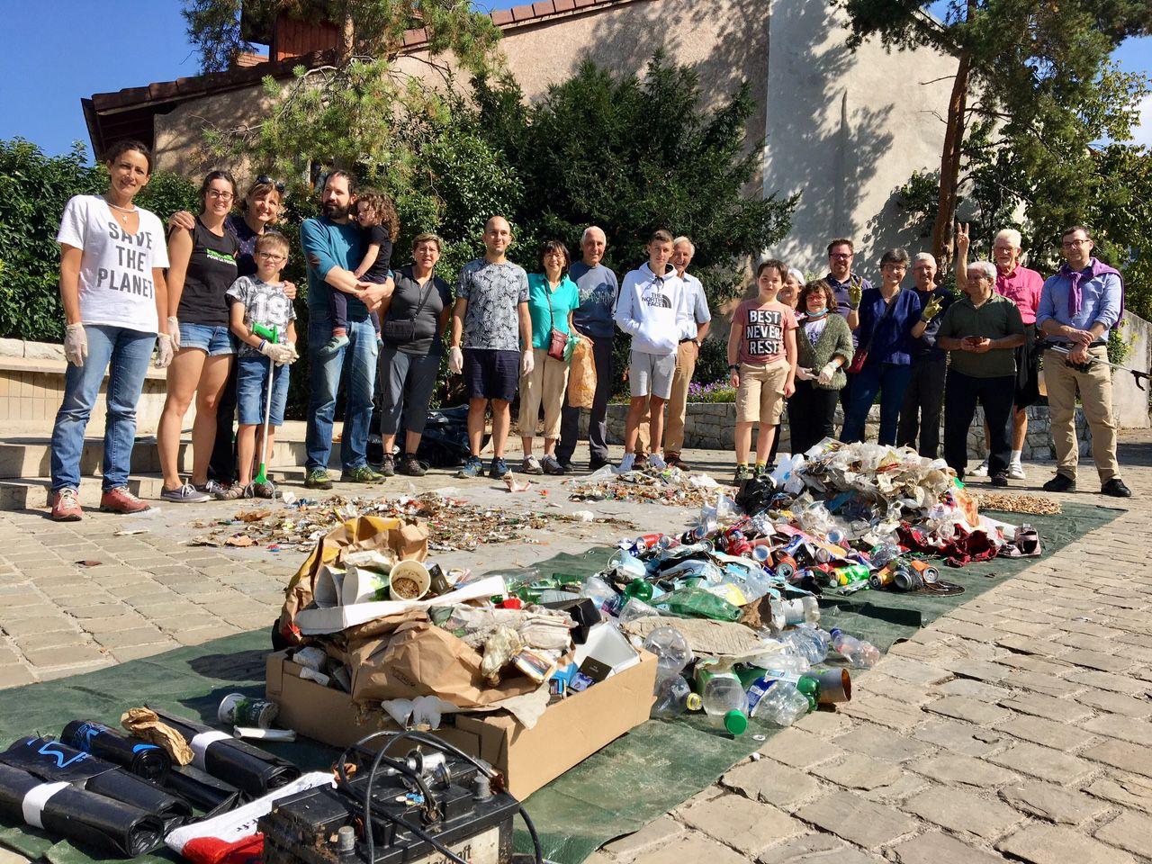 Collecte des déchets sauvages à Collonges-sous-Salève, le 18 septembre 2021