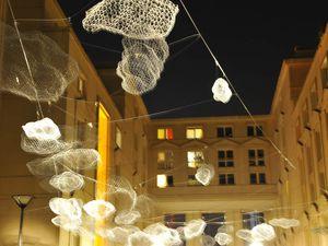 """Installation """"La tête dans les Nuages"""". Paris 14 avec le collectif les 2 dés"""