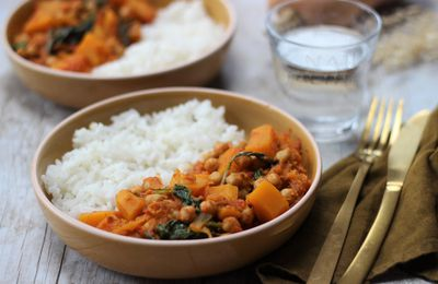 CURRY DE BUTTERNUT POIS CHICHES