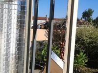 Et voilà une bonne partie de faite, malgré une chaleur en Vendée  en ce mois de septembre qui me gênais un peu car le mastic de vitrier n'aime pas une température trop chaude, sinon ça colle aux mains, et se lisse moins facilement au couteau de vitrier..... A SUIVRE..