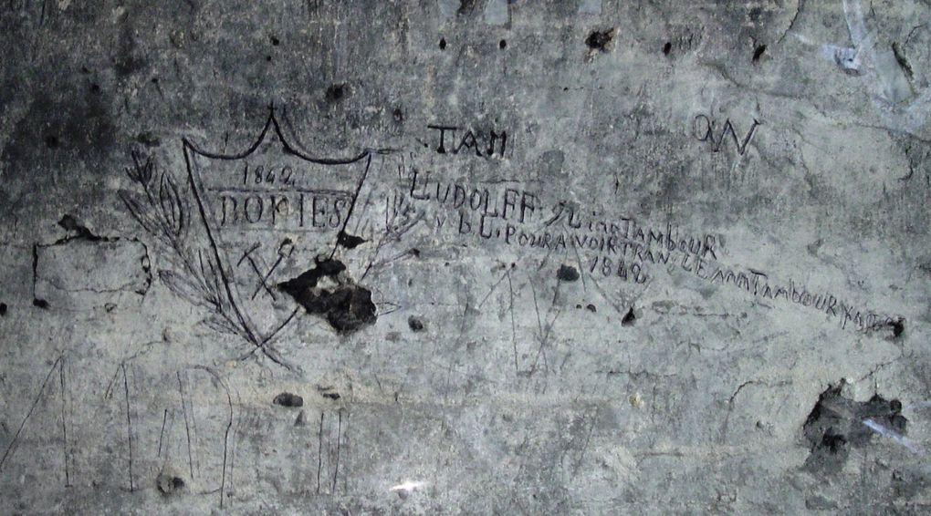 Les graffiti que l'on trouve sur les murs des églises, à l'extérieur, ou à l'intérieur comme dans la tour de La Madeleine à Verneuil, sont un témoignage laissé par des croyants, ou des ouvriers ayant travaillé sur le monument. D'autres édif