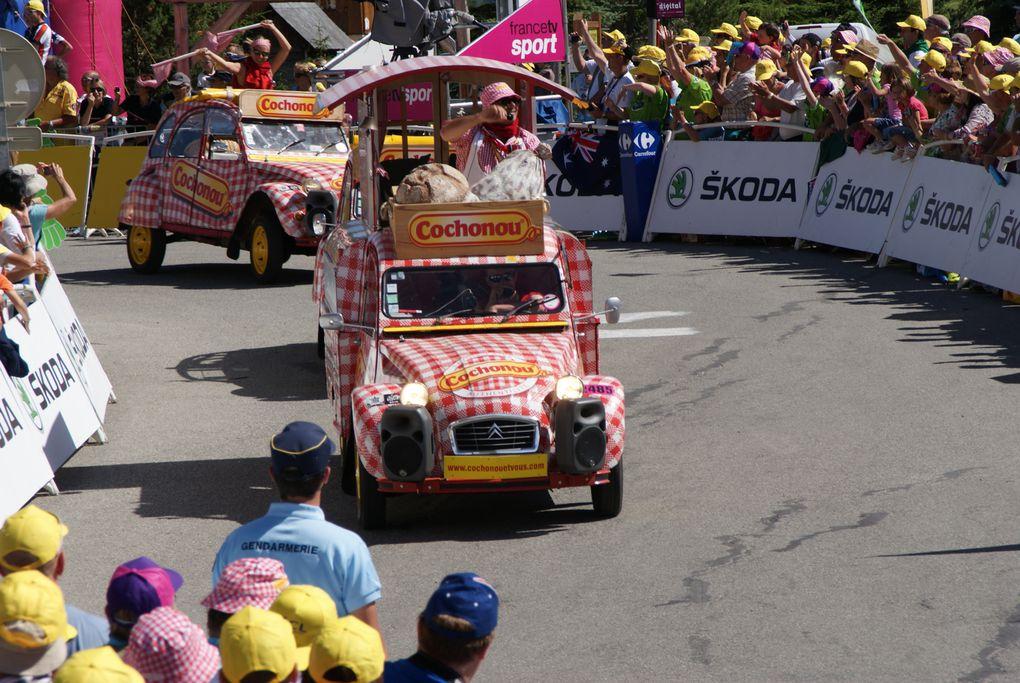 L'arrivée de la 11e étape du Tour de France 2012 a été jugée à La Toussuire - Les Sybelles.  Superbe victoire du Français Pierre Rolland.  Retour sur une journée près de la ligne d'arrivée.  Photos : J.Tracq