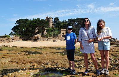 De Ploumanac'h à Trébeurden en passant (à marée basse) par le château de Costaérès