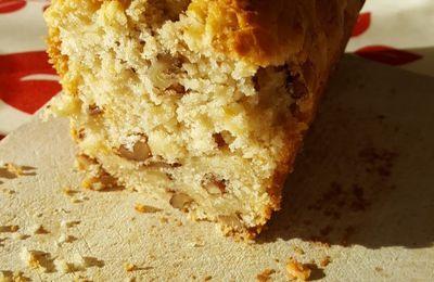 Cake aux pommes et noix