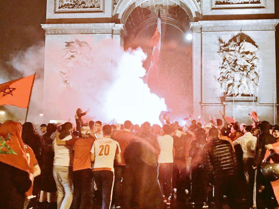Les supporters marocains saccagent Bruxelles et piétinent la tombe du soldat inconnu à Paris pour célébrer la victoire de leur équipe