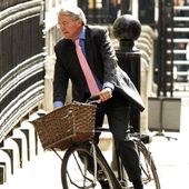Andrew Mitchell resigns following allegations he called police 'plebs'