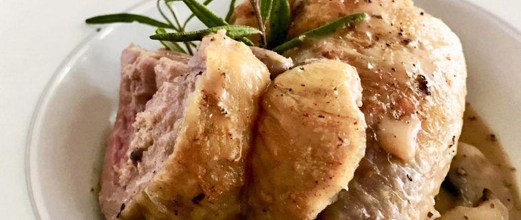 Suprêmes de pintade farcis au veau et au foie gras, sauce crémant de Bourgogne