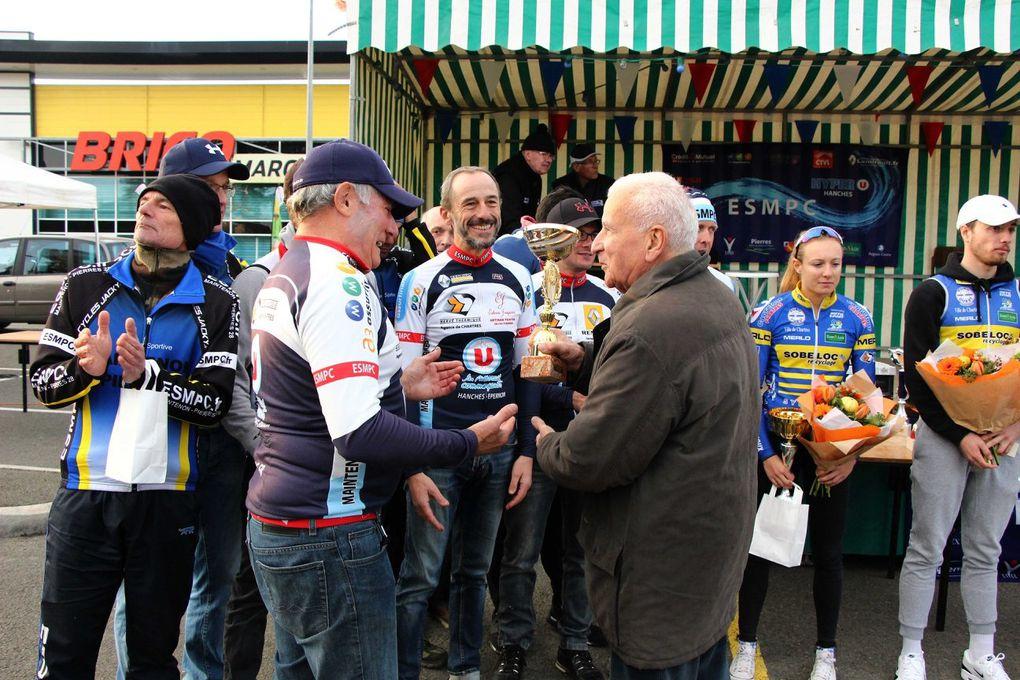 Album photos des podiums du cyclo-cross de Maintenon (28)