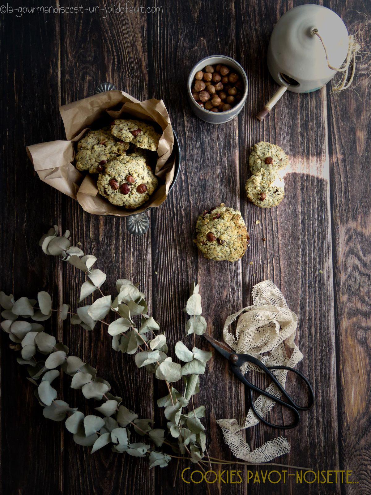 Cookies croustillants aux noisettes et pavot