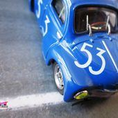 FASCICULE N°4 RENAULT 4CV BERLINE BOL D'OR TYPE R1063 1952 ELIGOR 1/43 - car-collector.net