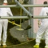 US nuclear waste tanks 'leaking'