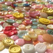 How to Dye New and Vintage Buttons- Tutorial
