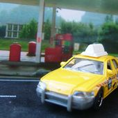TAXI FORD CROWN VICTORIA 2006 MATCHBOX - car-collector.net