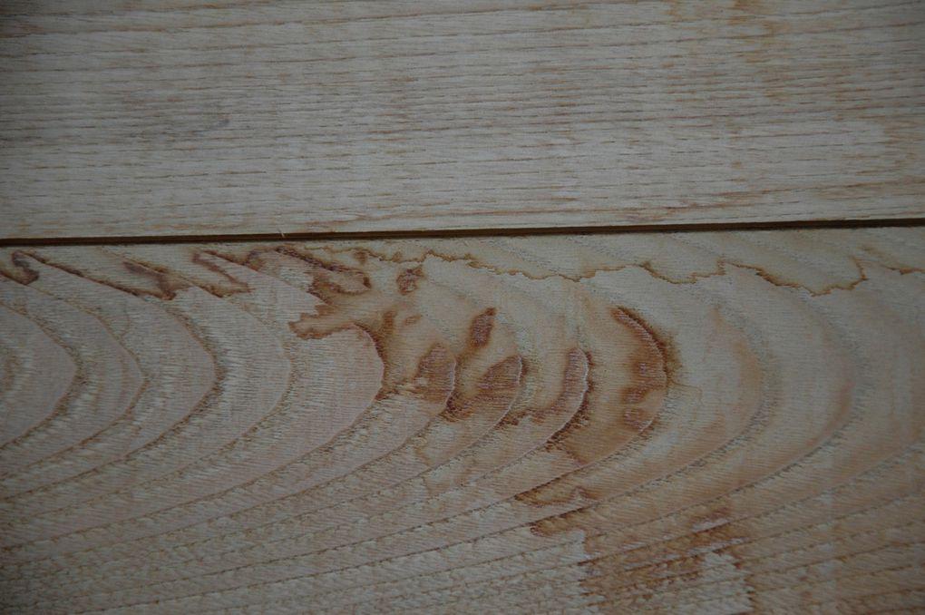Le bois est du bardage en châtaignier.