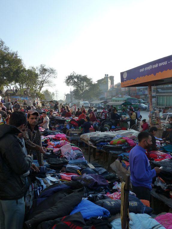 La magnifique Kathmandu grouillante de saveurs et les villes impériales de Patan et de Baktapur, deux visions en mai 2009 et novembre 2010