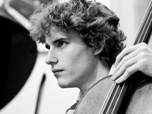 andreas brantelid, un violoncelliste danois qui ne cesse de progresser dans la pratique de son instrument