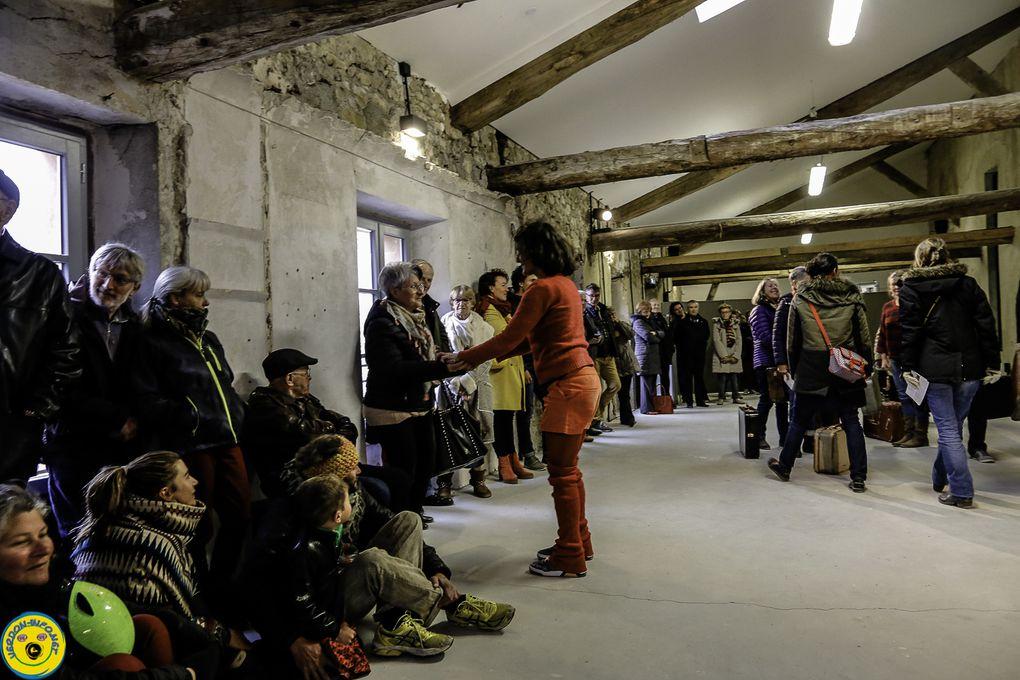 La Mure Argens  la compagnie 2b2b revisite les dédales du musée de la Minoteries