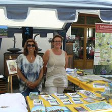 Saint André les Alpes : présence de l'office de tourisme à la fête de la lavande